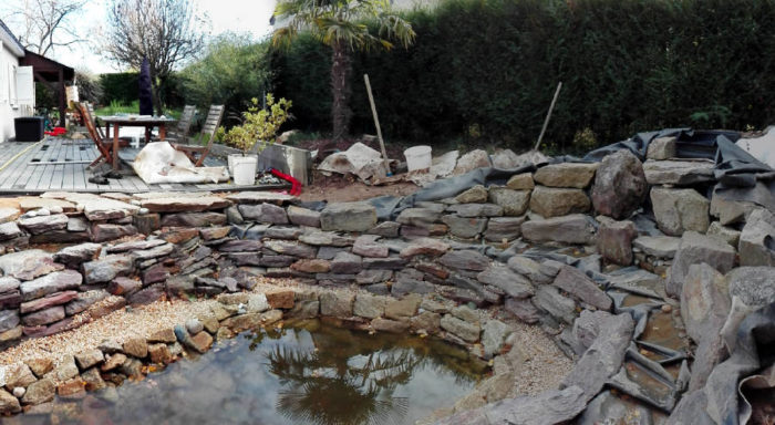 paliers dans un bassin en construction
